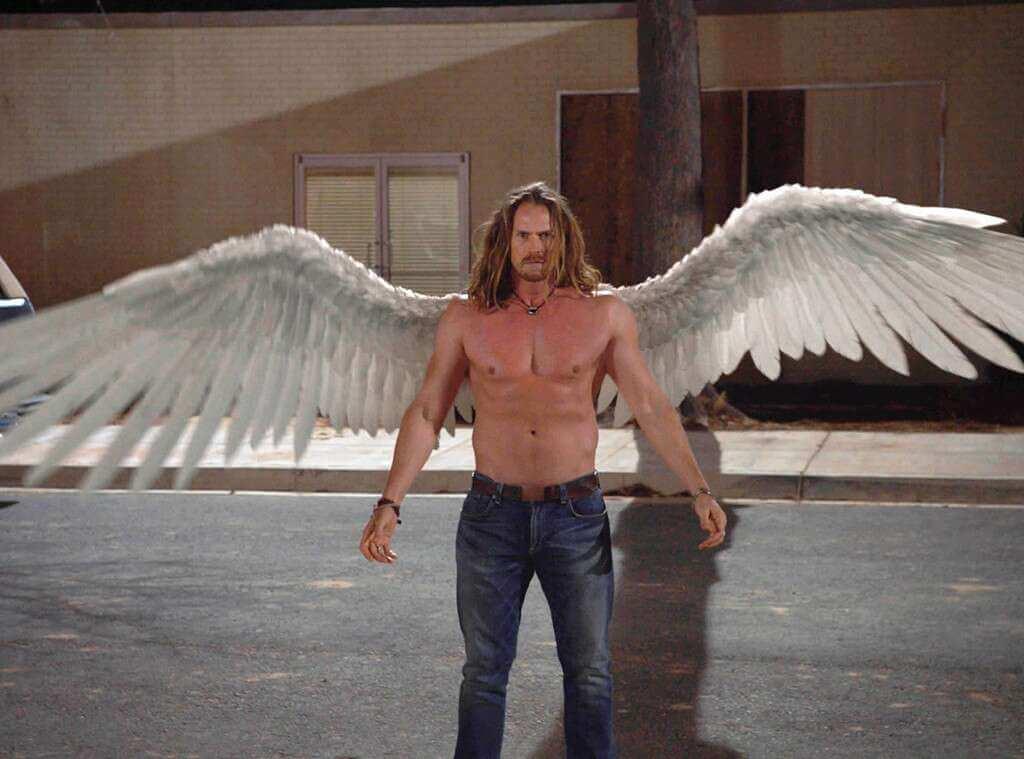 ангел в сериале миднайт